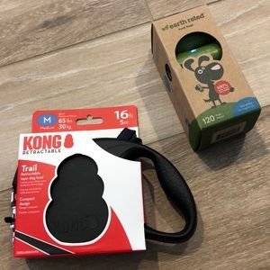 Kong Retractable Med 16' Leash & Earth Rated Bags